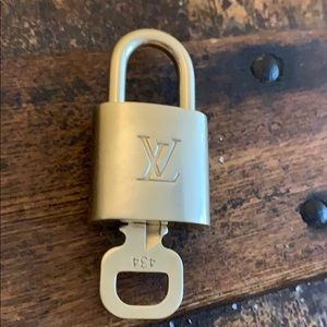 Louis Vuitton Lock With Key 🔐 # 434